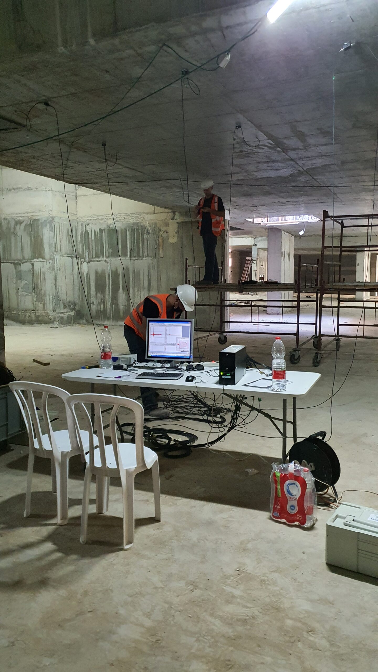 Crack monitoring in a reinforced structure during construction using Acoustic Emission